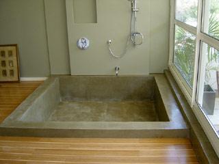 baignoire béton ciré