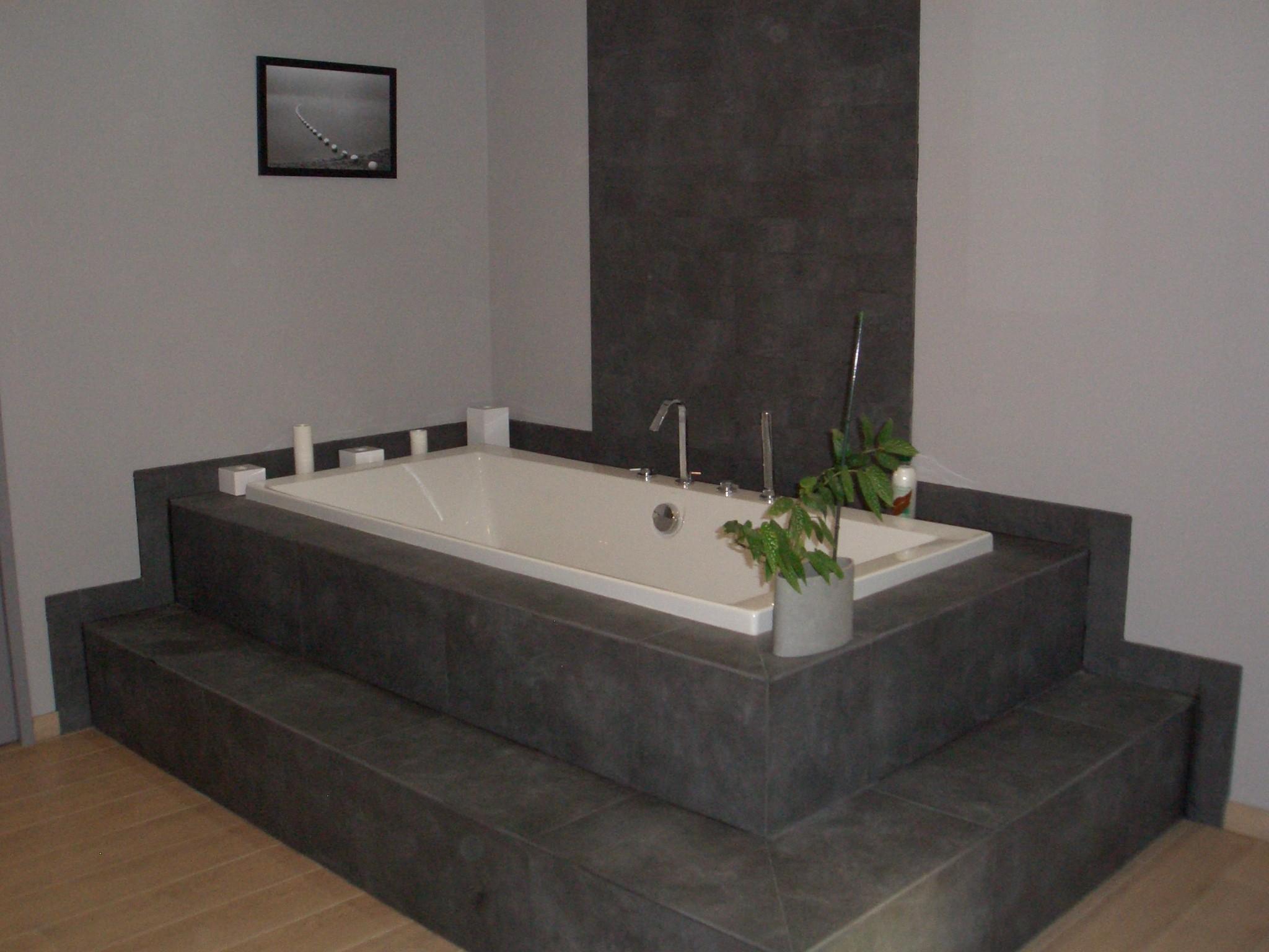 baignoire grande taille. Black Bedroom Furniture Sets. Home Design Ideas