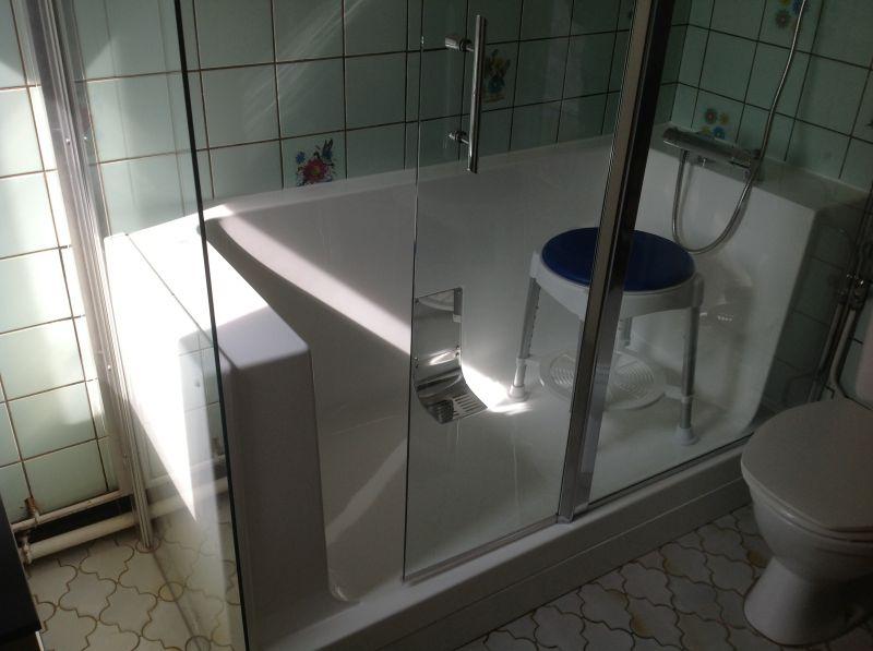 remplacement baignoire par douche senior