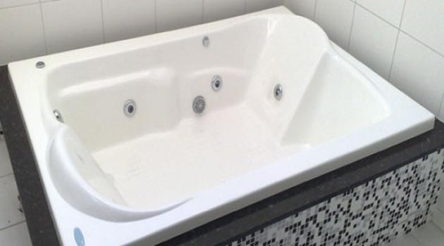banheira quadrada