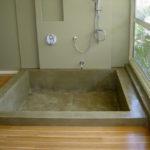 Douche baignoire beton